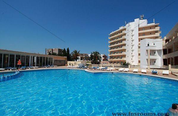 Hotel porto playa i porto cristo porto cristo spain for Cheap hotels in la porte tx